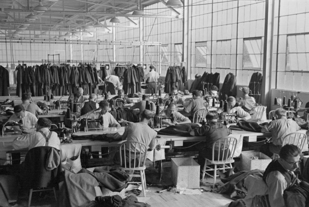 Geschichte der Arbeitskleider